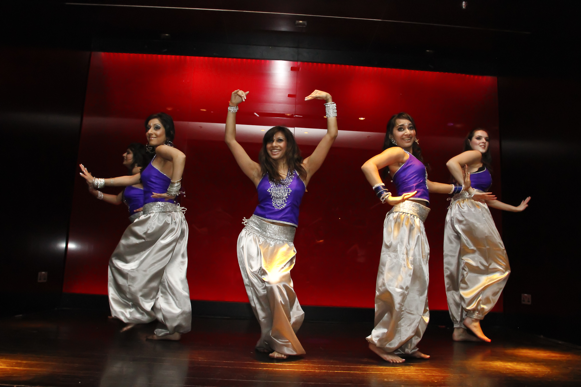 bollywood dance Costumes for bollywood dances, indian dances, dances of india.
